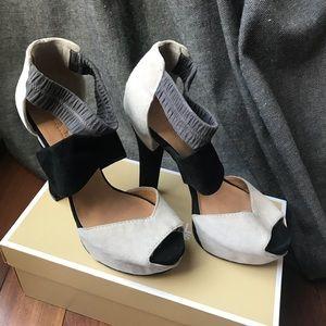 NEW L.A.M.B heels sandals grey and black size8